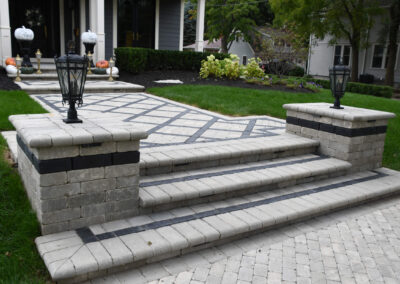 blue accent front yard pavers